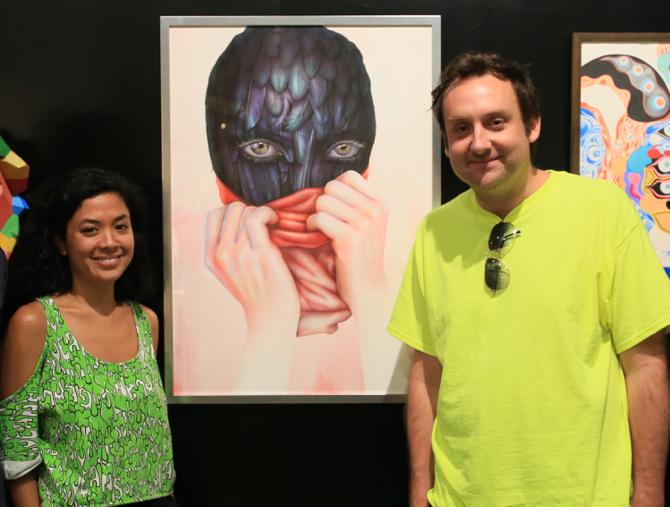 『KULT』のクリエイティブ・ディレクター、スティーヴ・ローラー(右)とキュレーター、ザラニ・リシャド(左)。スティーヴはアーティストでもあり、ザラニはデザイン誌のライターでもある。