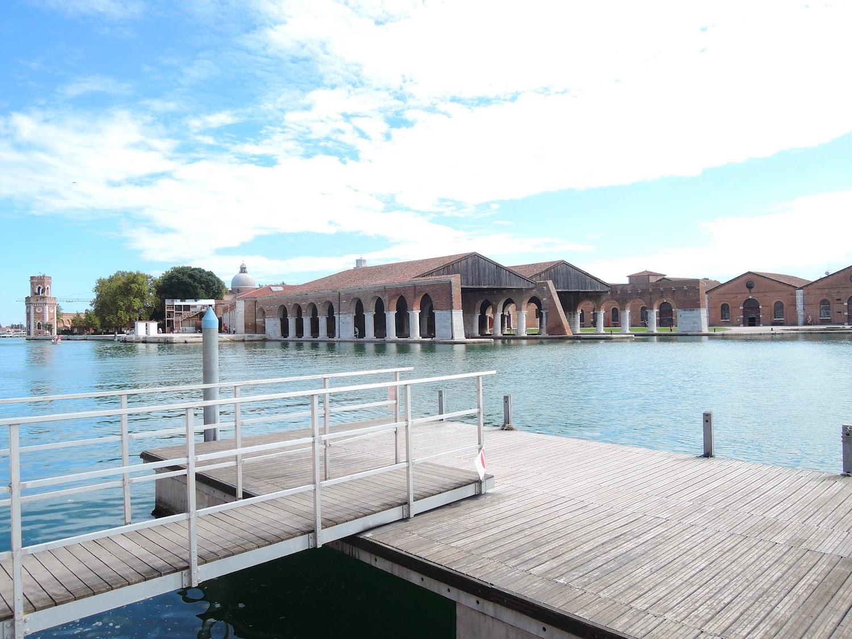 ヴェネチアの様子。「水の都」と名高い街中には大小問わず多くの運河が巡る