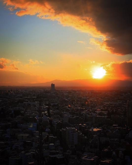 キャロットタワー26階の展望台からの眺め。ここで鑑賞する作品も