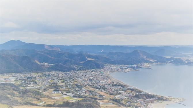 鋸山の上から見た金谷湾