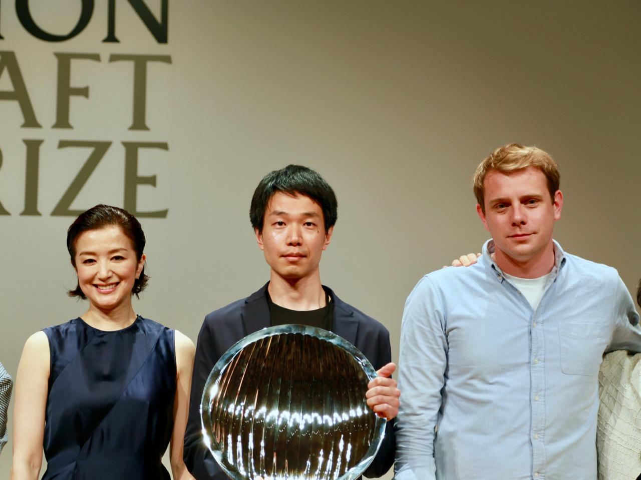 (左から)鈴木京香、石塚源太、ジョナサン・アンダーソン