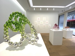ジャン=ミシェル・オトニエルが日本文化に影響を受けた新作:ペロタン東京「《夢路》DREAM ROAD」レポート