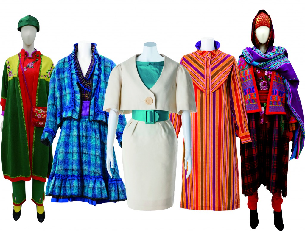 装苑賞受賞作品(中央)と1970-80年代の作品