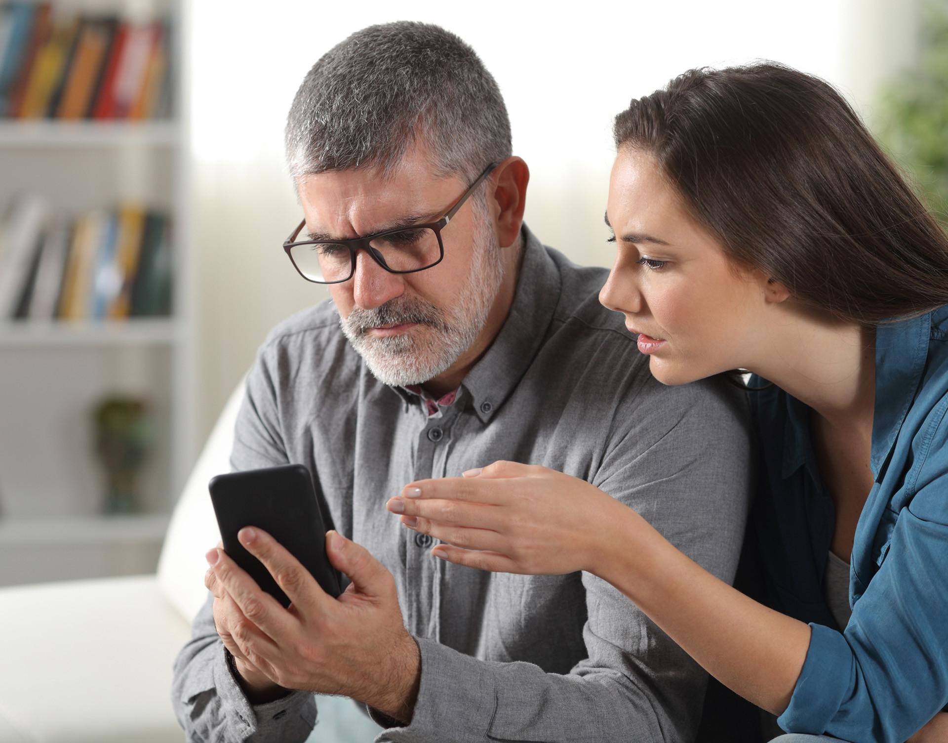brecha digital padres hijos formacion competencias tecnologicas