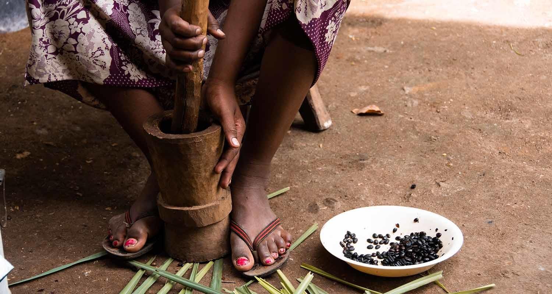 La combinación de hambre extrema y coronavirus puede afectar sobre todo a las mujeres.