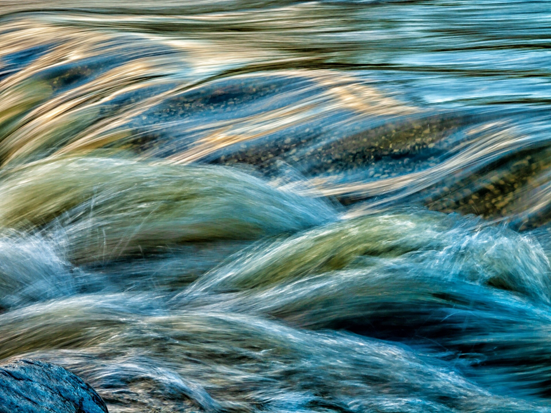 corriente de agua