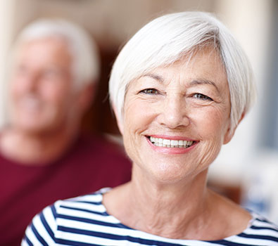 Seniors: This Is How to Find Discount Dental Implants
