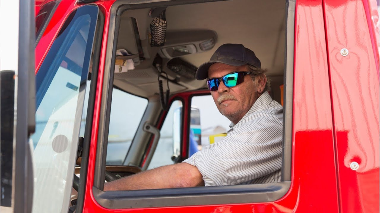 Why More People are Becoming Truck Drivers