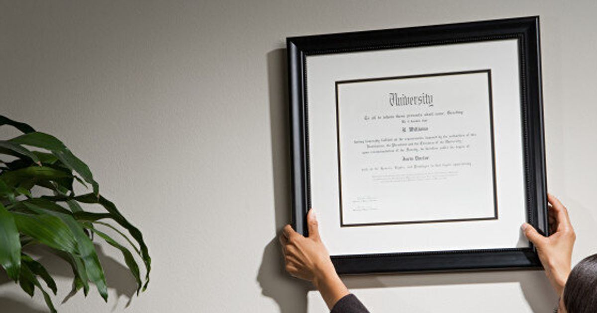 Why Earning a Business Degree Online is a Smart Move