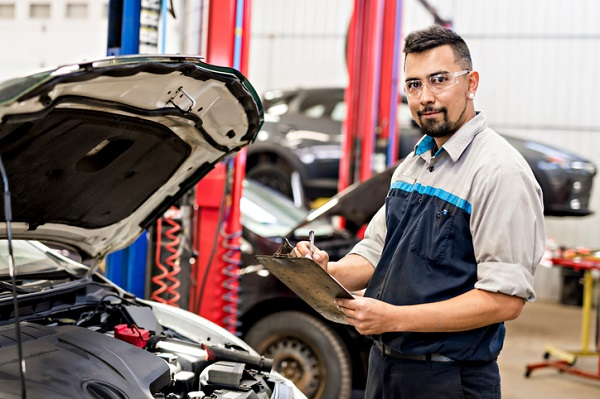 How to Become an Auto Mechanic