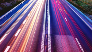 Mobilità, Toninelli: con Torino all'avanguardia su guida autonoma e strade intelligenti