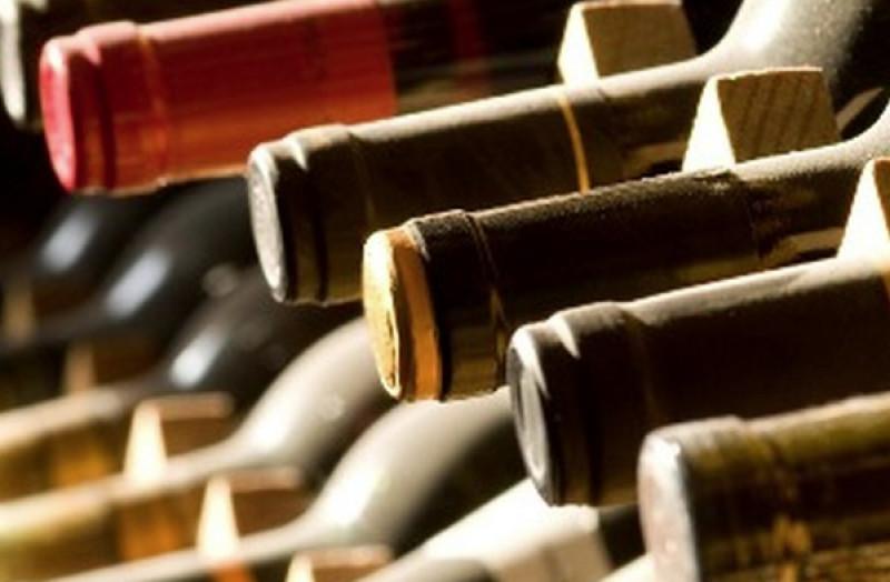 Sequestrate oltre 14 mila bottiglie di vino adulterato - Torinodice.it