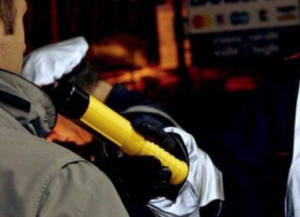 Conducente provoca incidente e fa il record all'etilometro: 3,68 g/l