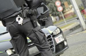 Estorsione e furto aggravato: arrestati due pregiudicati