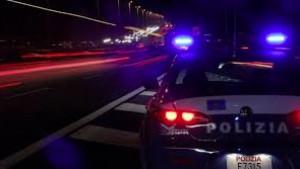 Rapinò una donna ad agosto: arrestato