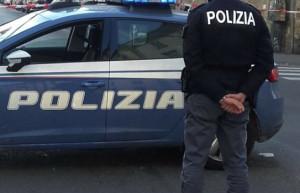 Spacciatore affronta poliziotti per tentare di eludere il controllo