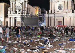 Piazza San Carlo, chiesto il rinvio a giudizio per la 'banda dello spray'