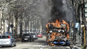 Incendi bus Torino, il Pm acquisisce carte