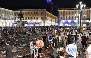 Banda spray piazza San Carlo, chieste le condanne