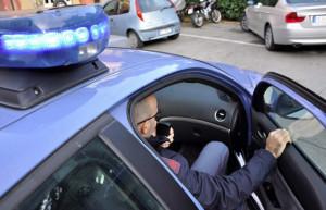 Torino: gli strappano la collanina e scappano tra le vie del centro città