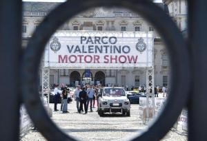 Il Salone dell'Auto lascia Torino per la Lombardia, la furia di Chiara Appendino