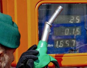 Prezzi poco chiari, multato benzinaio a Oulx