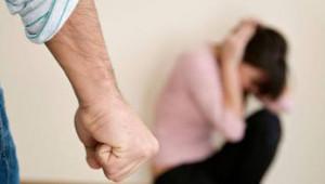 Torino: perseguita la ex fidanzata e porta con sé un coltello