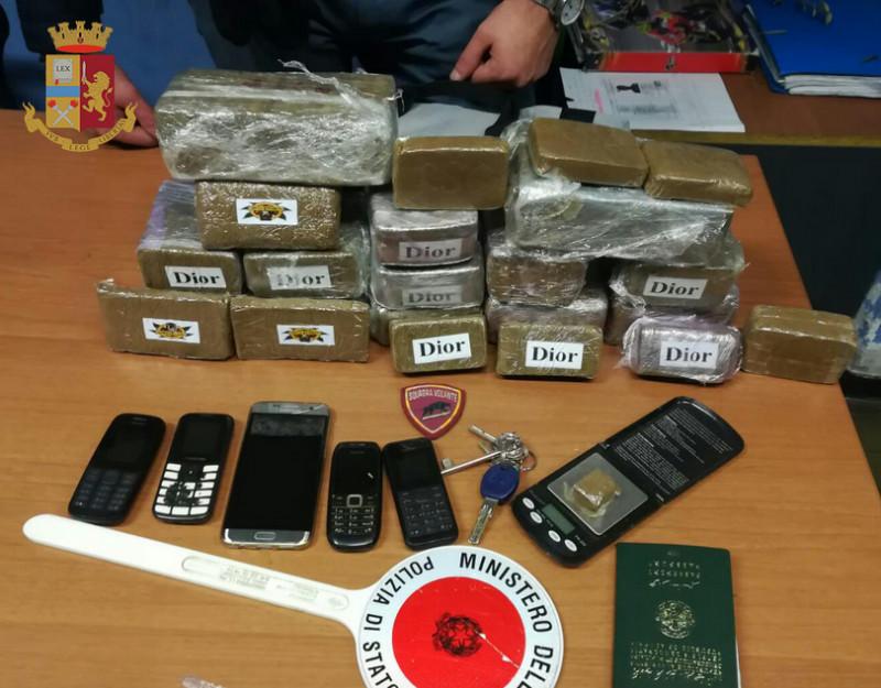 Torino: arrestato dalla Polizia di Stato uno spacciatore 'elegante'