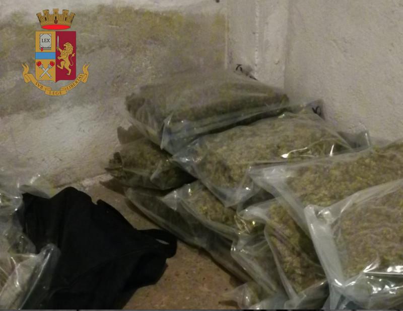 Torino: preso il carico di Natale: 72 kg di marijuana sequestrati dalla polizia