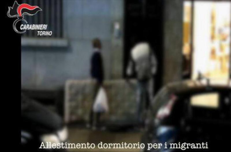 Traffico di migranti, operazione dei carabinieri a Torino