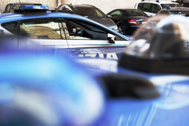 Torino: ruba un'auto ma il proprietario se ne accorge immediatamente