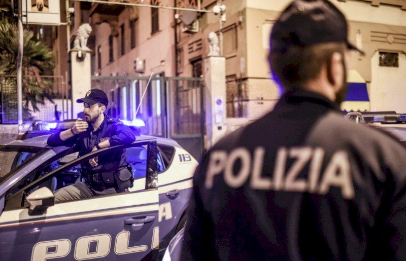 Torino: si finge magazziniere per asportare prodotti dall'area di scarico merci del supermercato
