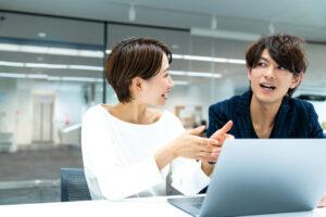 職場の人間関係をよくするためのコツ