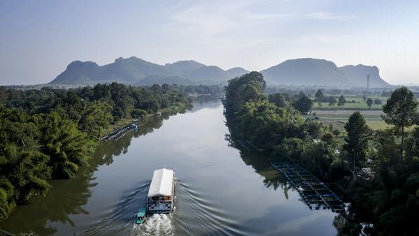 River kwai thailand bike and boat17