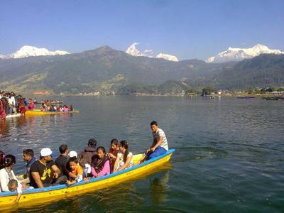Boating on fewalake