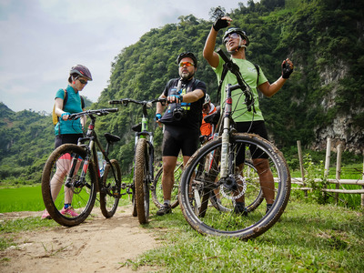Easia travel mai chau   cycling mai chau biking  5