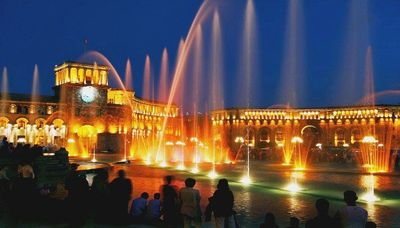 Yerevan singing fountains1