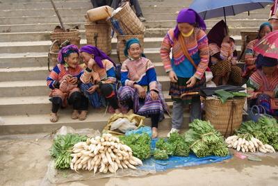 B%e1%ba%afc h%c3%a0 sunday market  vietnam   20131027 16