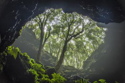 Alvaro pico  lava cave gruta das torres 1