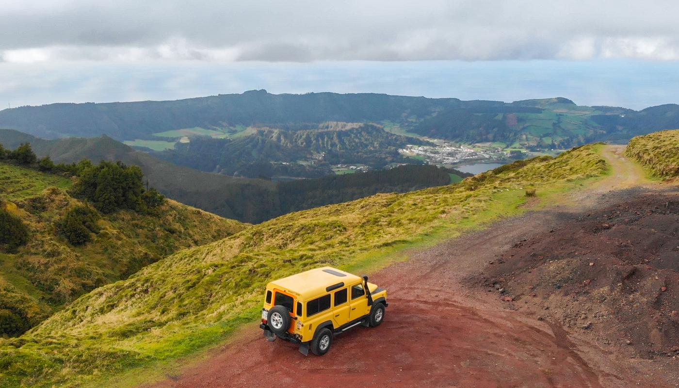 Alvaro sao miguel sete cidades cumiera grande jeep