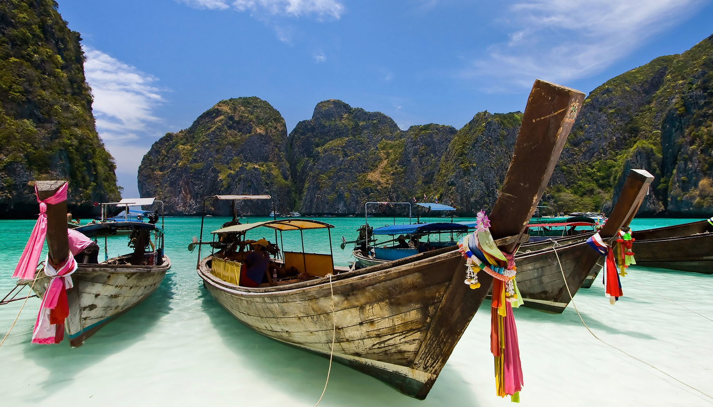 Attw thailand andaman sea traditional long tail boat is 13898614