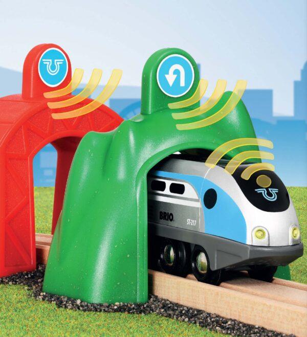 BRIO Smart Tech Locomotiva intelligente con tunnel - Brio Trenini, Vagoni E Altri Veicoli - Toys Center ALTRI Unisex 12-36 Mesi, 3-5 Anni, 5-8 Anni, 8-12 Anni BRIO TRENINI, VAGONI E ALTRI VEICOLI