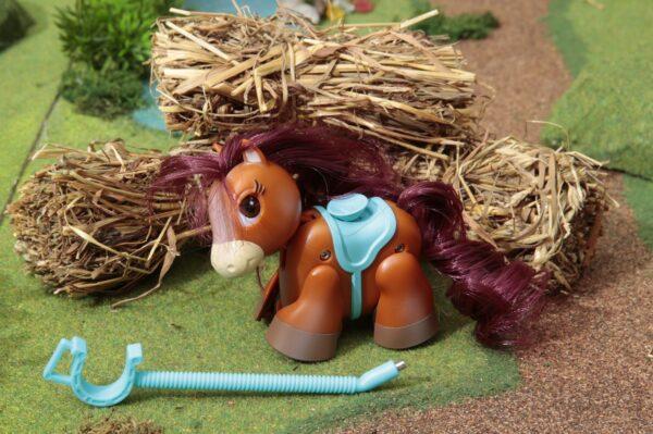 Pet Parade Pony Parade, Blister Singolo, Pony Razza Bay, Marrone Scuro - PET PARADE - Fino al -20%