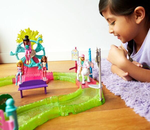 ALTRI Barbie parti e vai - Parti e Vai Luna Park, bambola e pony inclusi e pezzi componibili - FHV70 Barbie 12+ Anni, 3-5 Anni, 5-8 Anni, 8-12 Anni Femmina