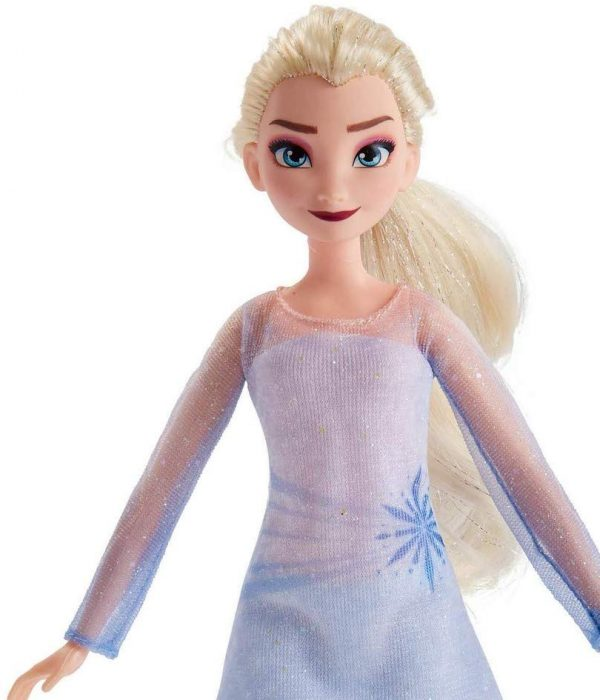 Fashion Doll Elsa di Disney Frozen e personaggio Nokk ispirato a Frozen 2