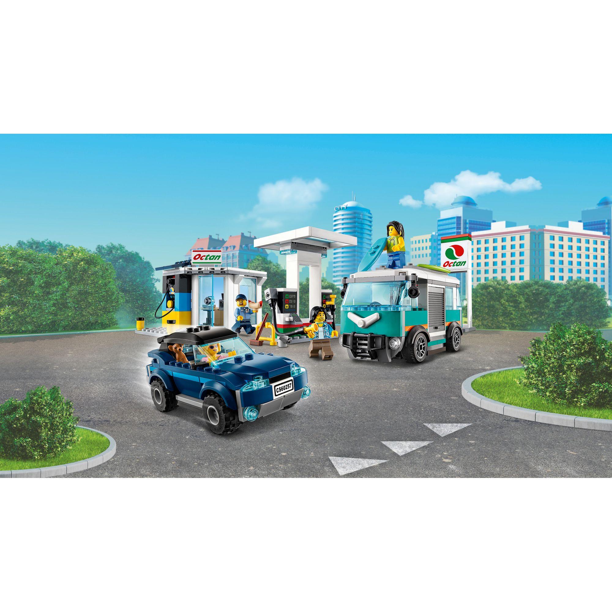 LEGO CITY  LEGO City Stazione di servizio - 60257