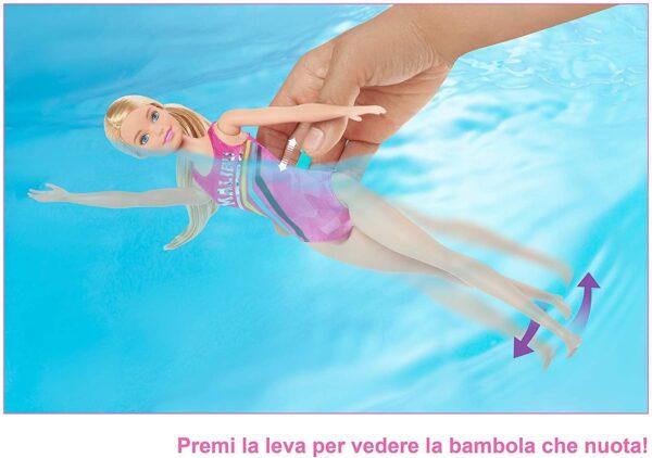 Barbie  Barbie Nuotatrice, Bambola in Costume con Piscina e Accessori