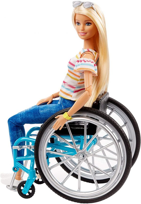 Barbie  Barbie Fashionistas Bambola Bionda con Sedia a Rotelle