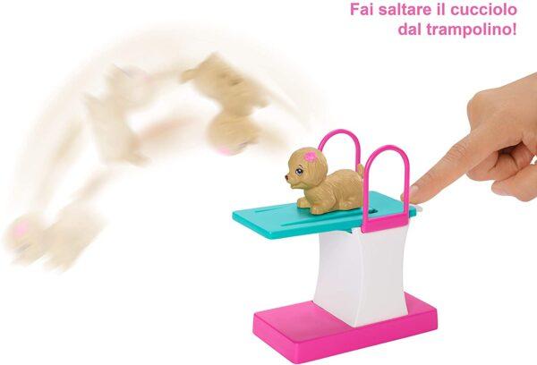 Barbie Nuotatrice, Bambola in Costume con Piscina e Accessori    Barbie