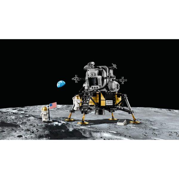 Creator  LEGO Creator Expert NASA Apollo 11 Lunar Lander - 10266